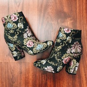 Black jacquard ankle boots NEW